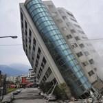 Bilincs kattant a Tajvanon megdőlt hotelt építő cég vezetőjének kezén