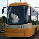 Megérkezett az első új villamos Szegedre