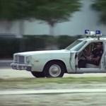 Mit tettél, Walsh? A legrosszabbkor akart kiszállni kocsijából a nevadai rendőr – videó