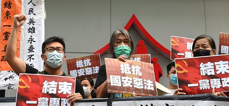 Trump megvonta Hongkong különleges státuszát, hogy felelősségre vonja Kínát