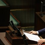 Saját kormánya ellen kért bizalmi szavazást a lengyel miniszterelnök, megkapta