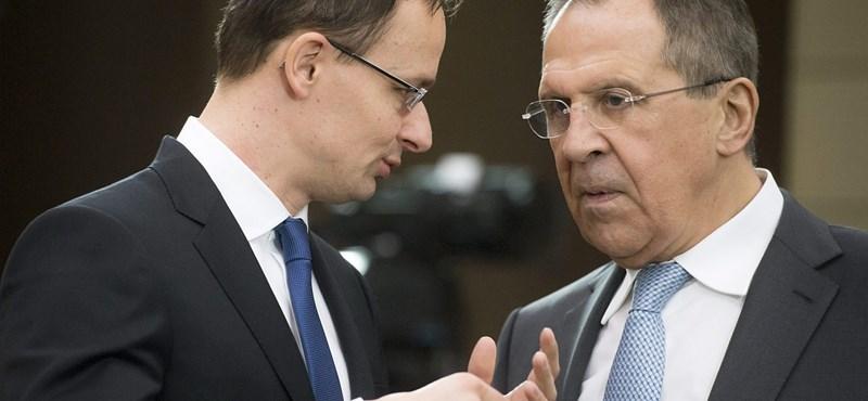 A Richter és a Mol orosz üzleteiről beszélt Szijjártó