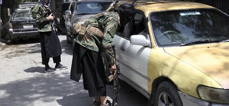 """""""Listo"""" Los talibanes en Punjab dan cuatro horas a la resistencia"""