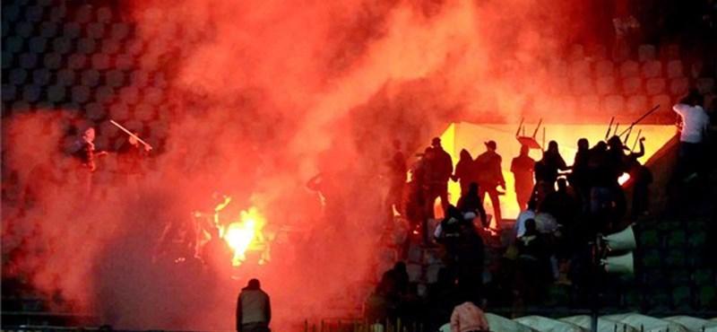 Egyiptomi tömegverekedés: soha többé nem fociznának az al-Ahli játékosai