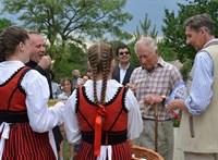 Károly herceg utazási tanácsokkal látta el a romániaiakat