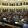 Határozatban kényszerítené vétóra az EU-csúcson Orbánt a Fidesz–KDNP