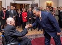 Orbán kitüntetést vitt a filozófusnak, aki szerinte előre látta az illegális migráció veszélyeit