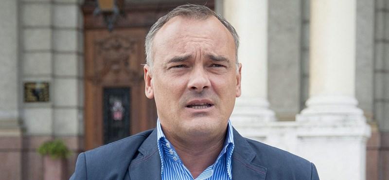 A Magyar Nemzet Borkai távozását követelte, majd eltűnt az erről szóló cikk
