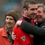Cantona kenterbe veri Beckhamet és Rooneyt