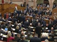 Mit mond a házszabály a mai botrányos szavazásról?