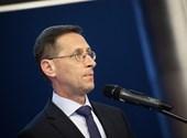 Varga Mihály: Január végéig marad a turizmus és vendéglátás bértámogatása