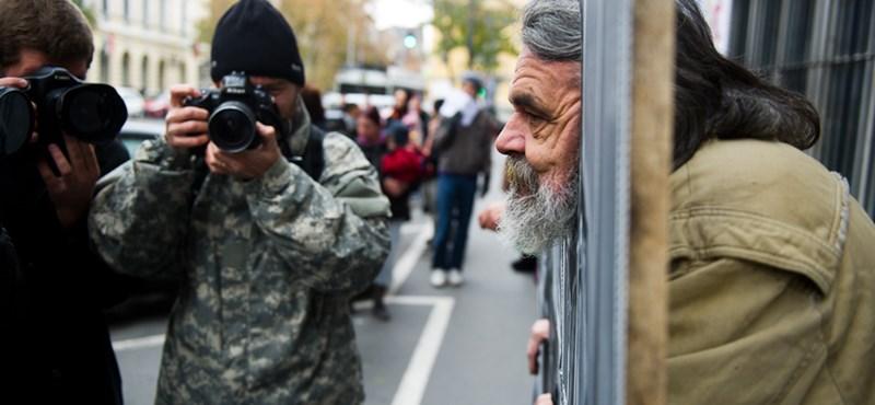 Kihallgatják és elengedik a józsefvárosi tüntetőket