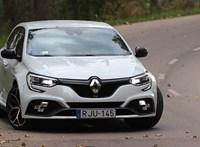 Nem tréfa, trófea: meghajtottuk a 300 lóerős Renault Megane-t