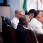 Nehézkes és hosszú út vezet kifelé Magyarország hibrid berendezkedéséből