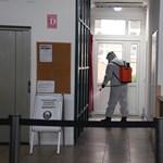 Covid-teszteket ad a kerületeknek a főváros a jövő heti iskolanyitás előtt