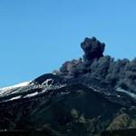 Repülőteret is lezártak a kitörő Etna miatt – fotó, videó