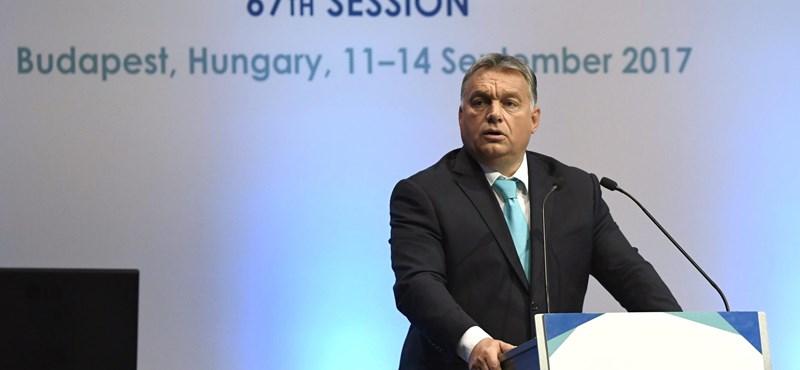 Orbánnak jól kezdődött a hete, és még a migrációról is beszélhetett kicsit