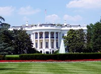 Gyanús csomag miatt lezárták a Fehér Házat
