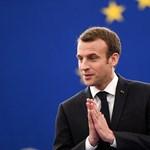 Macron: A Néppártnak választania kell Merkel és Orbán között