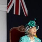 Erzsébet királynő gyomtépkedéssel vezeti le a stresszt
