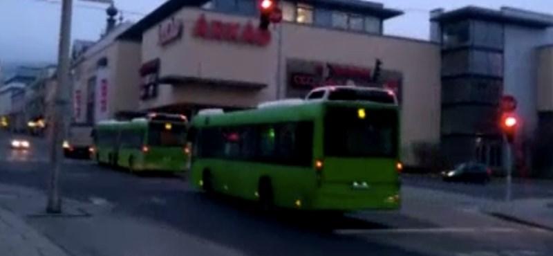 Több százmilliós kárt okozott a városnak Pécs önkormányzati cége egy buszvásárlással