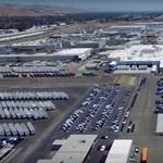 Drónnal szálltak a Tesla-gyár fölé – megnézhető 4K-ban is