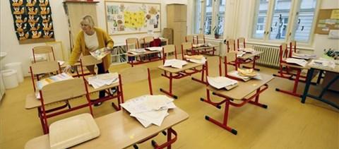 A PSZ szerint be kell tartani a járványügyi szabályokat, de vissza lehet térni a tantermekbe