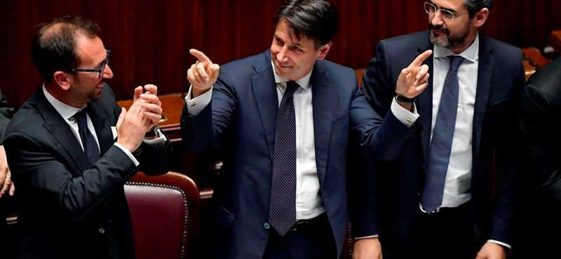 Nyakig ülnek az adósságban, mégis a Dolce Vita kell az olasz populistáknak