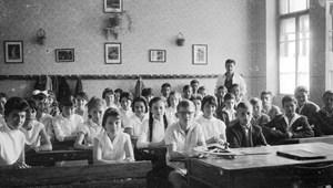 Ilyen megjegyzésekkel bombázzák az alternatív iskolát választó szülőket?
