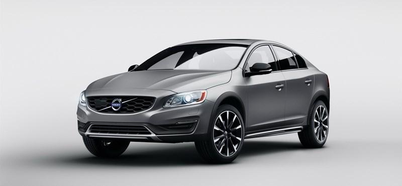 Ilyen se volt még: terepezős szedánt mutat be a Volvo