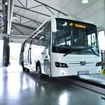 Forgalomba áll 100 új magyar busz az utakon - fotók