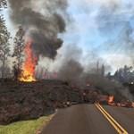 Félelmetes látvány a Hawaiira betörő tűztenger – videó