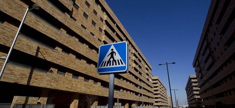 Lapáttal szórják a piacra a spanyol lakásokat