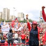 El akarta vinni a venezuelai elnök az ország aranytartalékát, de nem adják