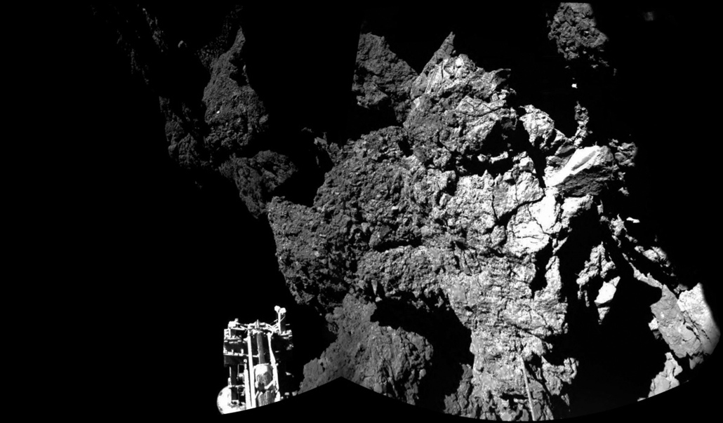 afp. űrszonda, első kép 2014.11.13. Párizs, Franciaország, A handout photo released by the European Space Agency (ESA) on November 13, 2014 shows an image taken by Rosetta's lander Philae. Rosetta's lander Philae is safely on the surface of Comet 67P/Chur