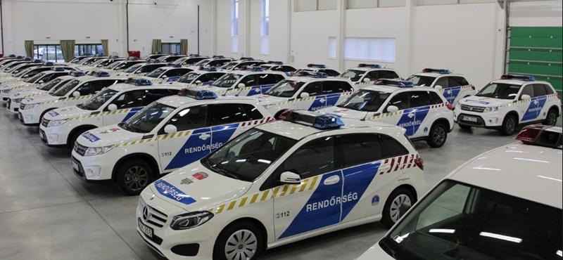 Mercik, Audik, Suzukik: 270 új autót kaptak a vidéki rendőrségek