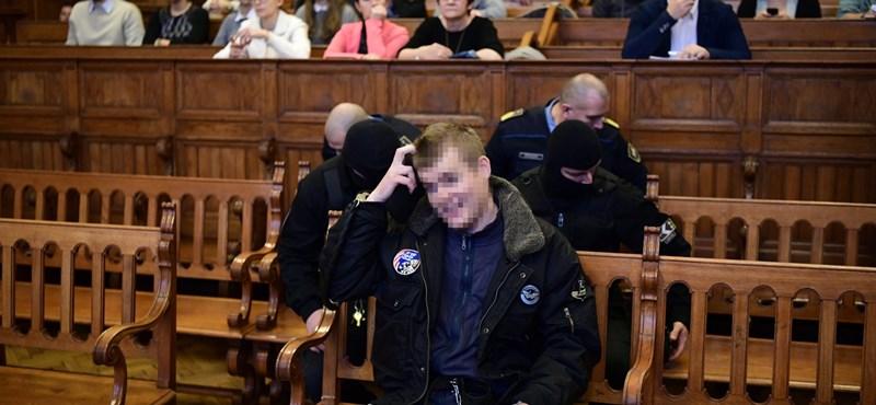 Tárgyalásán feküdt le aludni a Teréz körúti robbantás vádlottja, mentőt hívtak hozzá