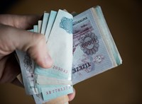 Szabolcsban átlagosan 176 ezret, a fővárosban 317 ezret keresnek