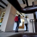Maszk és 1,5 m távolság – így tartják az idei középiskolai felvételiket