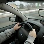Csatornába vezette GPS-e a német sofőrt