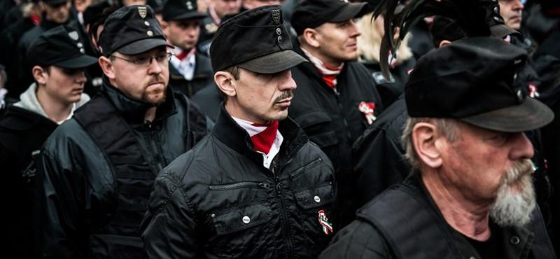 A rendőrségnek nem tűnt fel a Magyar Gárda egyenruhája március 15-én