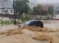 Villámárvíz öntötte el Nagyvisnyót – videó
