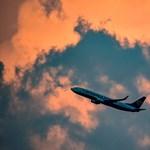 Műszaki gond miatt landolnia kellett egy Ryanair-gépnek, 30 utas kórházba került