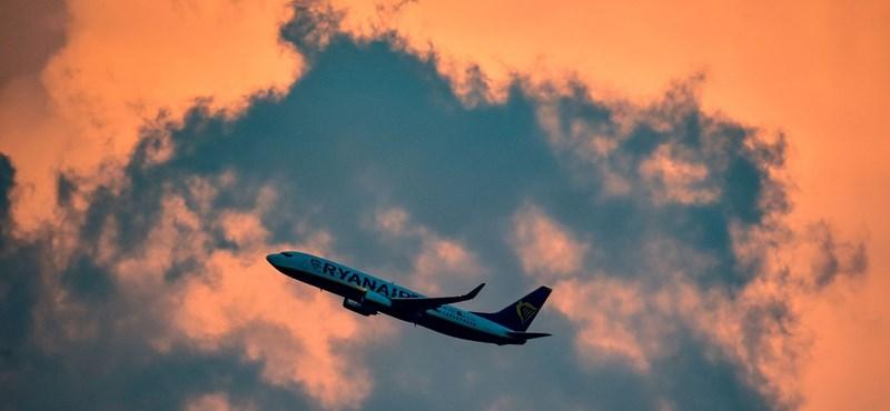 Új fogyasztóvédelmi szabályokkal segítenék a fapados légitársaságok utasait