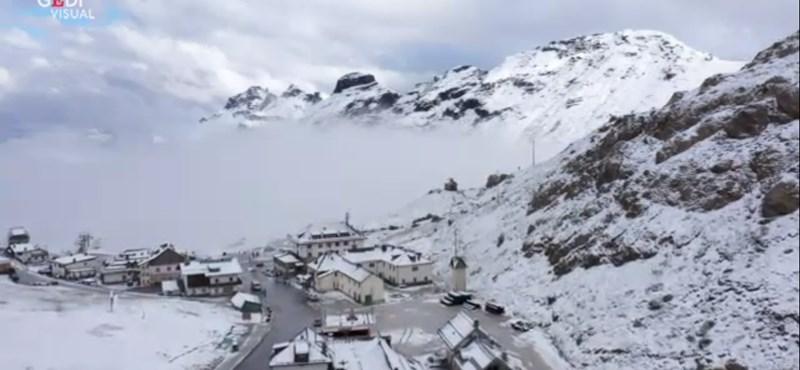 Szeptember van, de már hótakaró borítja az olasz Alpokat – drónvideó