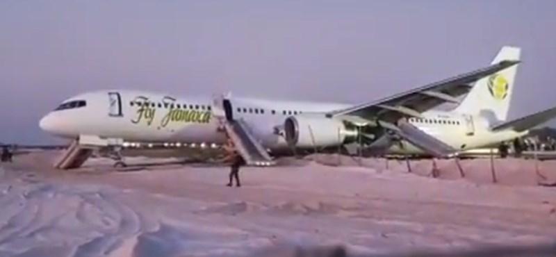 Kényszerleszállást hajtott végre egy Boeing Guyanán, többen megsérültek