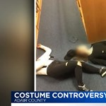 Iskolai lövöldözőnek öltöztek halloween alkalmából, felfüggesztették a két tinilányt