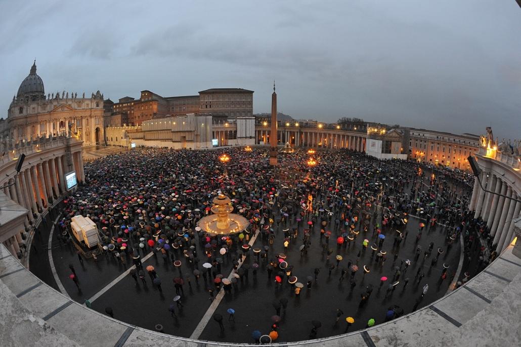 résztvevők - pápaválasztás - pavalko