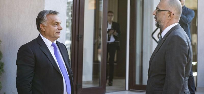 Megírta, kit pénzel Budapest az erdélyi sajtóban, azóta gyalázzák és fenyegetik