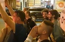 """""""Kommunisták vagytok"""" - kiabálták a Zeneakadémiáról távozó Orbánnak"""
